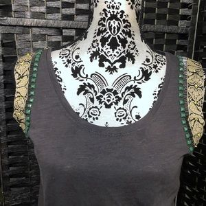 Lucy and Laurel embroidery tank top